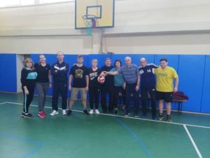 Состоялась товарищеская встреча по волейболу между преподавателями.